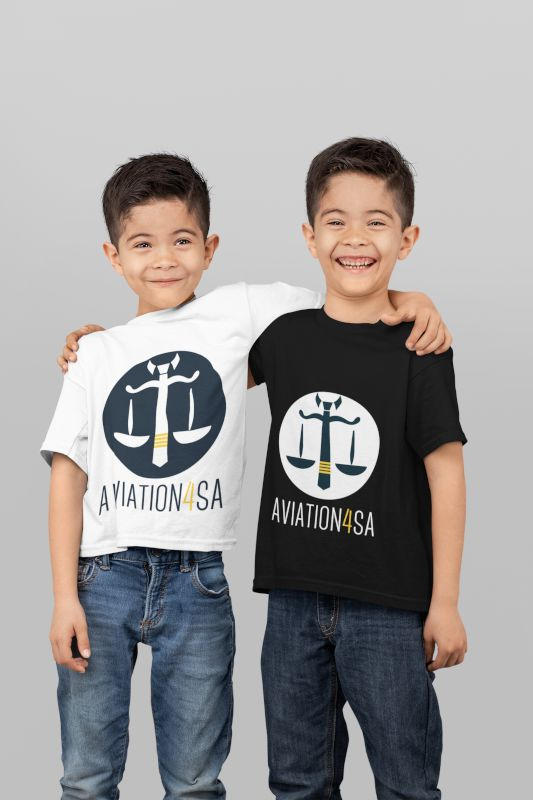 mockup-of-two-twin-boys-wearing-t-shirts-in-a-studio-31001